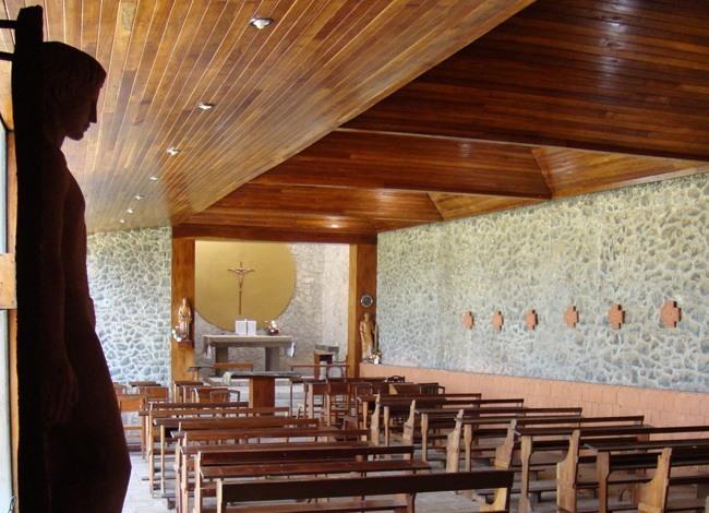 פרויקט אדריכלות לכנסיה בסרי לנקה